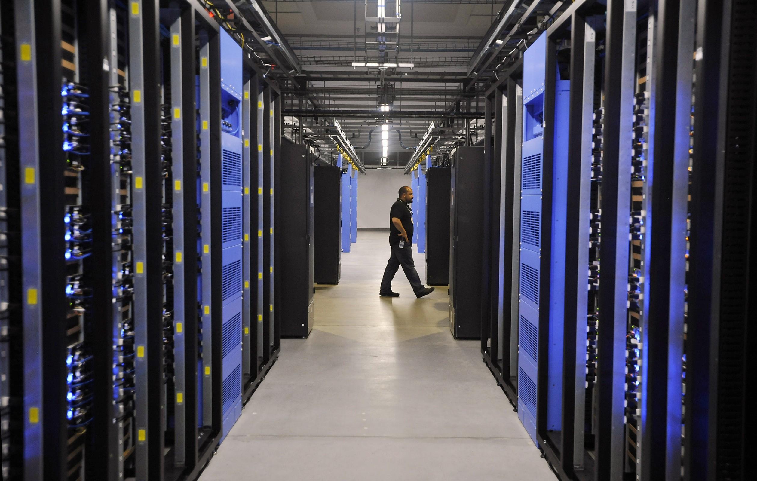 facebook-datacenter-3
