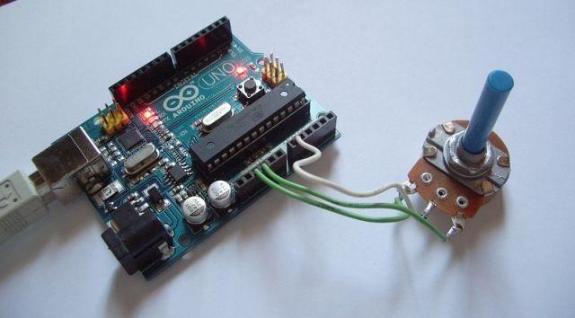 Arduino UNO Board con potenciómetro