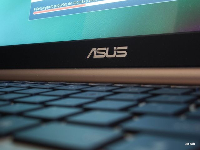 Review notebook Asus U46E-BAL 7
