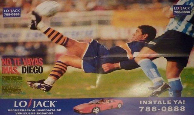Maradona en una publicidad de LoJack