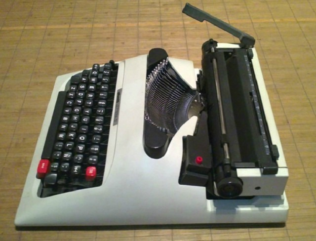 maquina-escribir-olivetti-lettera