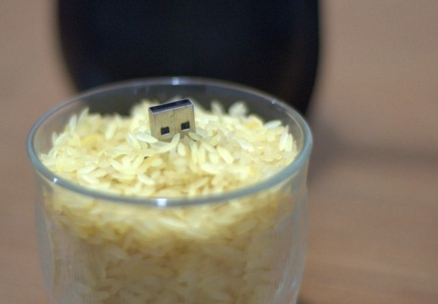 Secar pendrive con arroz