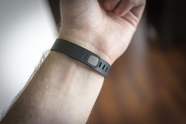 fitbit flex ropa tecnológica