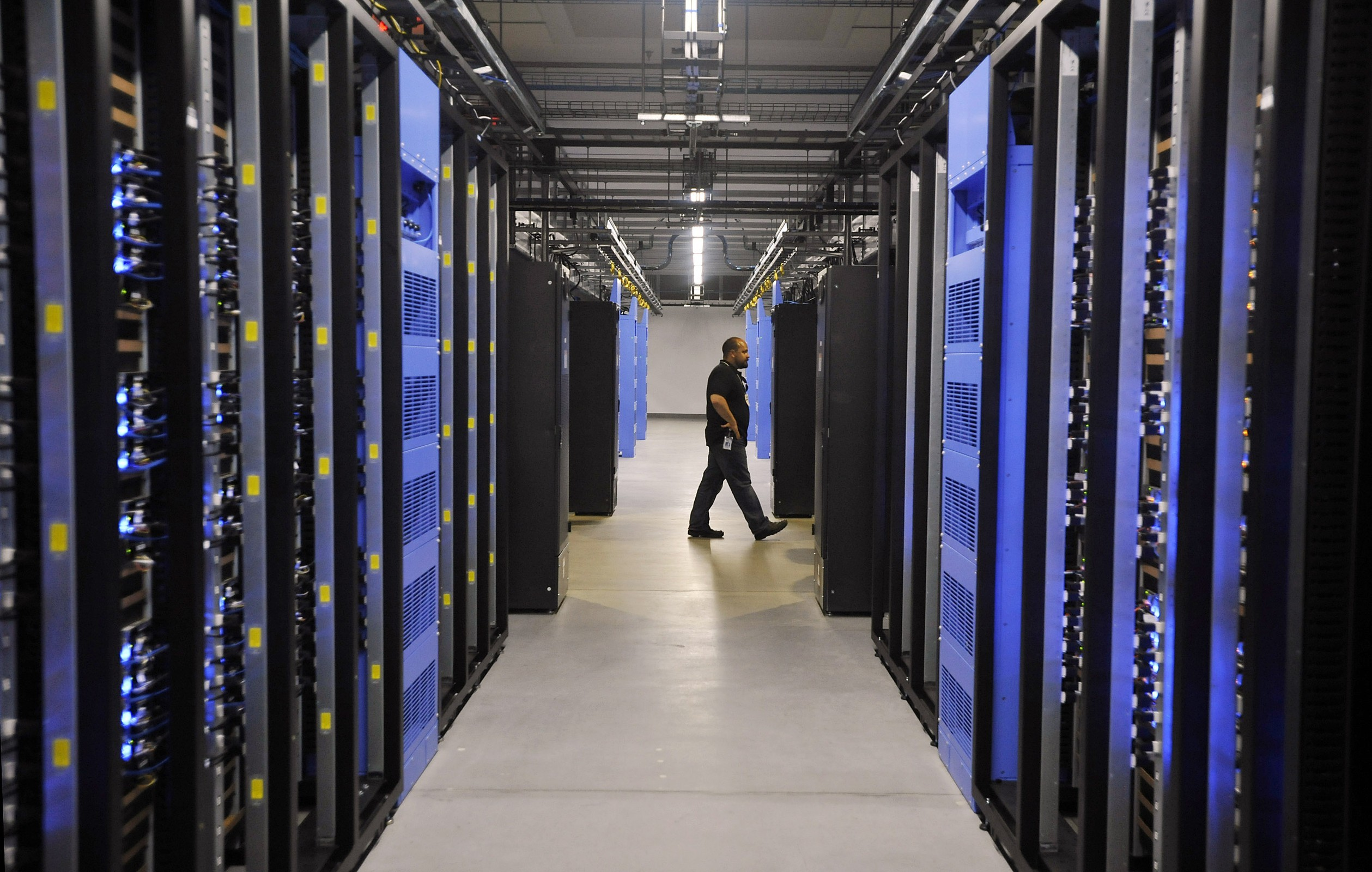 facebook-datacenter-3