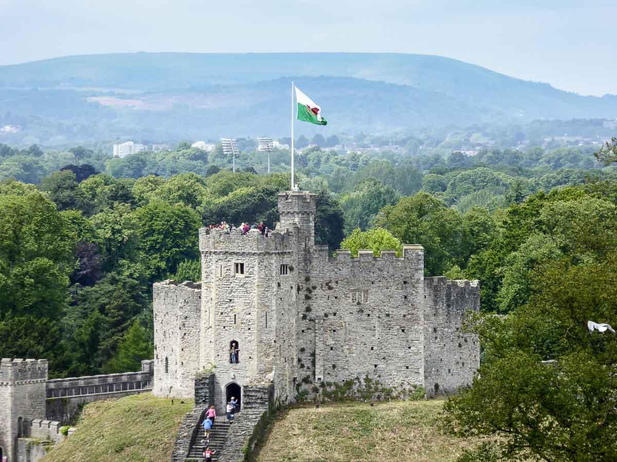 Panasonic-Lumix-TZ60 - Zoom: Si, esta en la torre del castillo de Cardiff