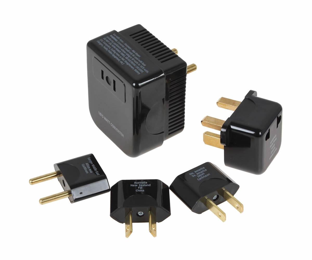Siempre made in China y siempre compatible con todos los voltajes del mundo.