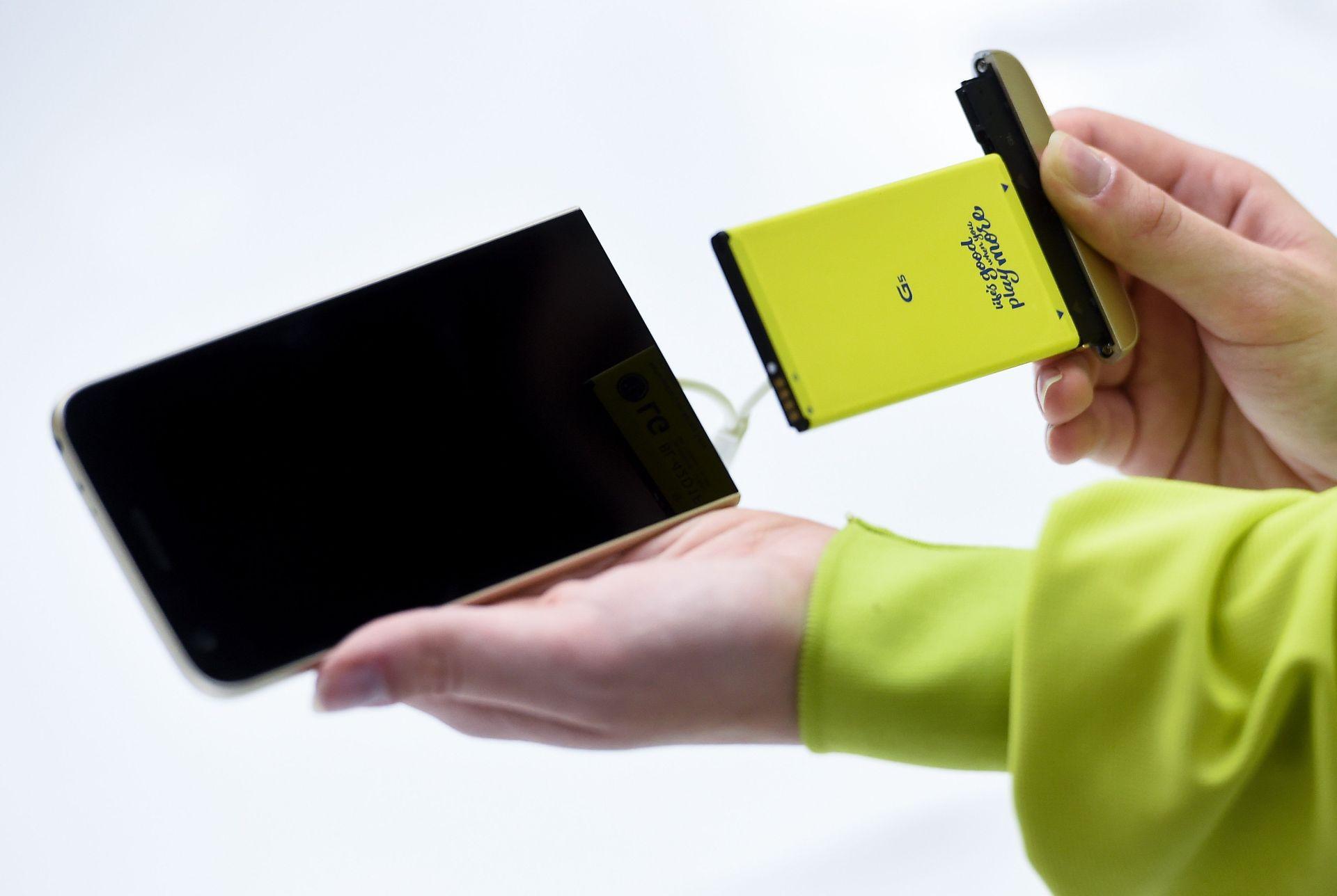 El LG G5 es uno de los pocos Smartphones de alta gama con batería removible o... ¿el único?