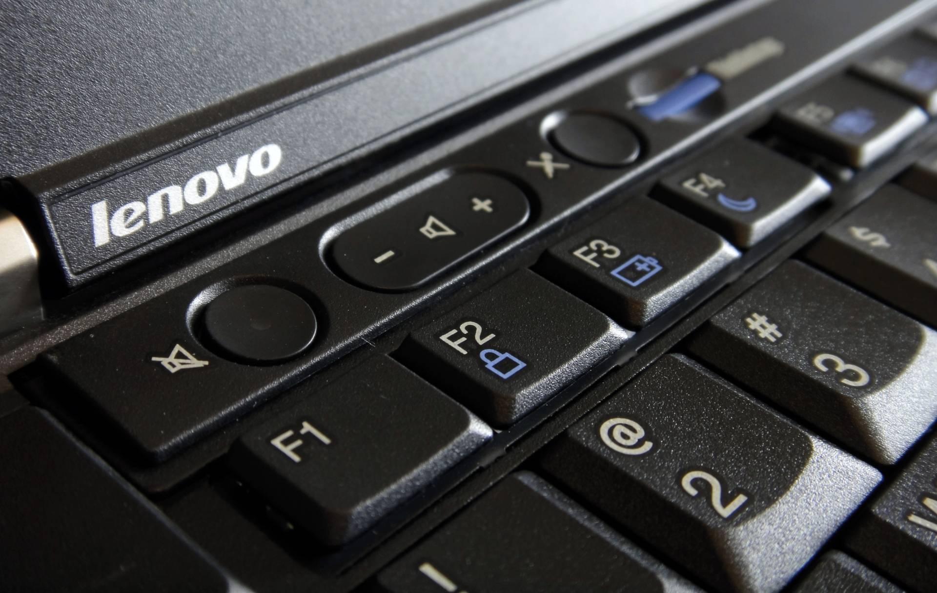 Bendito tu eres... entre todos los teclados.
