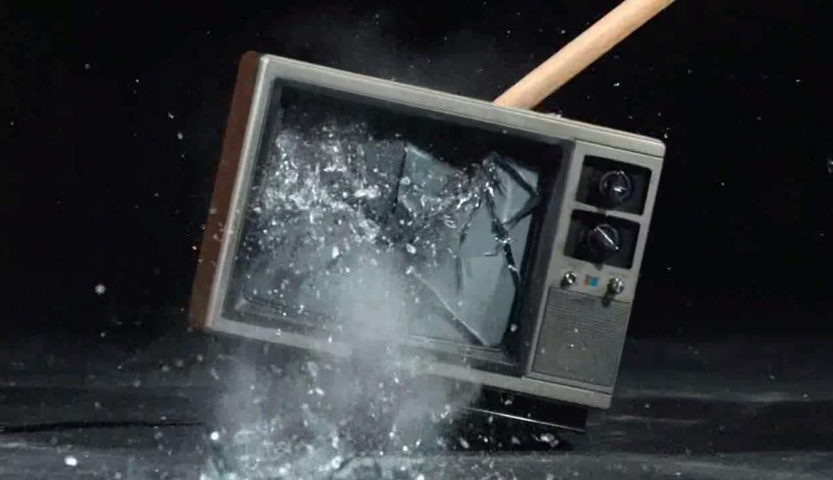 Ya se te van a ir las ganas de romper la TV... o no.