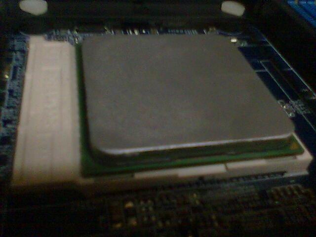 Poner pasta térmica al procesador