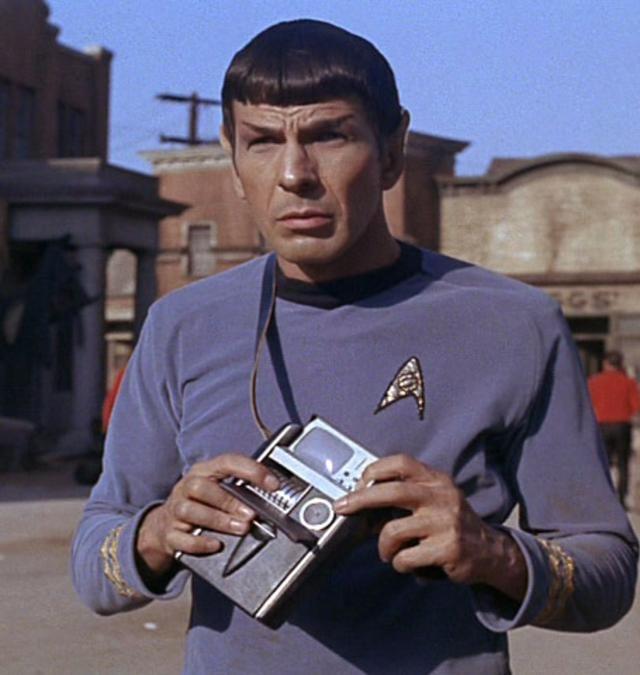 Spock con el traductor universal
